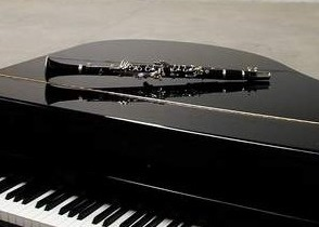 fragment-clarinet-keyboard-piano-black-white-54753081