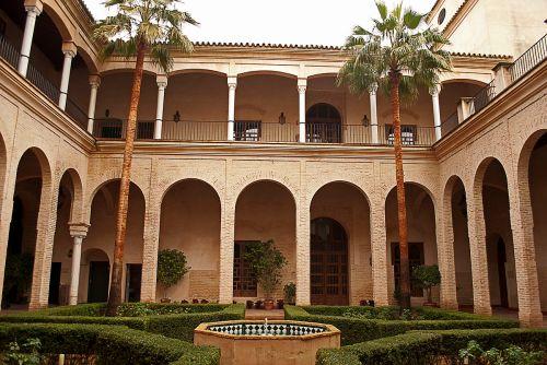 Palacio_de_los_marqueses_de_algaba.jpg