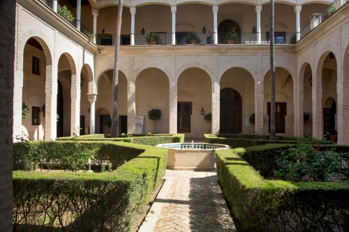 ñPUNTO-15-patio-algaba